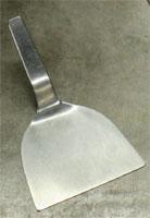 厨房メインテーブルで使う調理専用コテ