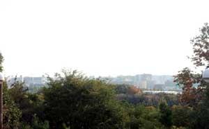 鶴見緑地内の鶴見新山からの眺め